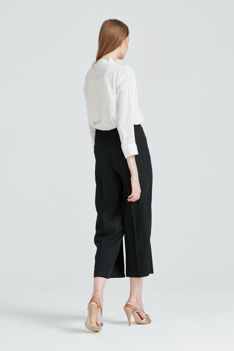 Arkası Lastikli Geniş Paça Pantolon-Siyah