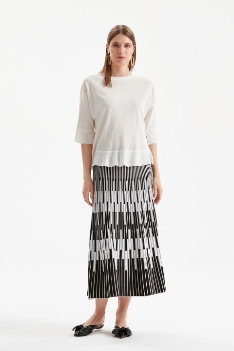 On Fashion - İki Renkli Çubuklu Etek-Siyah