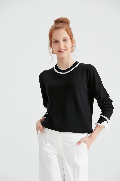 Tığ Triko - Yaka Ve Kol Detaylı Triko Bluz Siyah